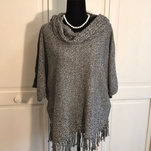 Relativity Cute knit fringed top